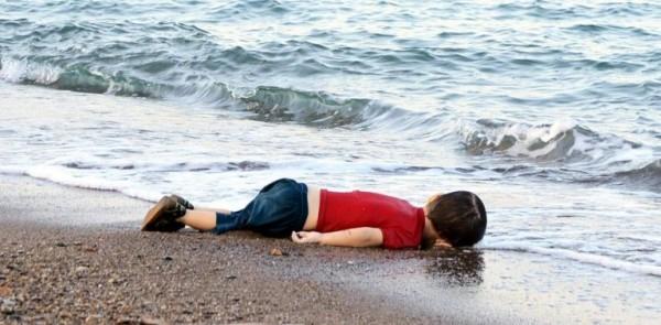 cậu bé Syria 3 tuổi